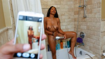Jenna Foxx masturbating in shower